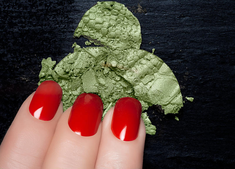 Moderno Caer Esmalte De Uñas Rojo Imagen - Ideas de Pintar de Uñas ...