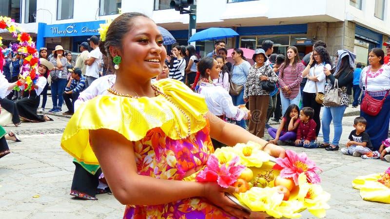 Esmeraldes省,厄瓜多尔典型的礼服的妇女民间舞蹈  库存照片