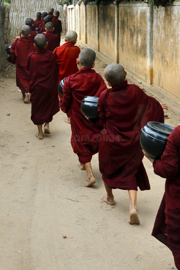 Esmola do recept das monges do principiante imagens de stock royalty free