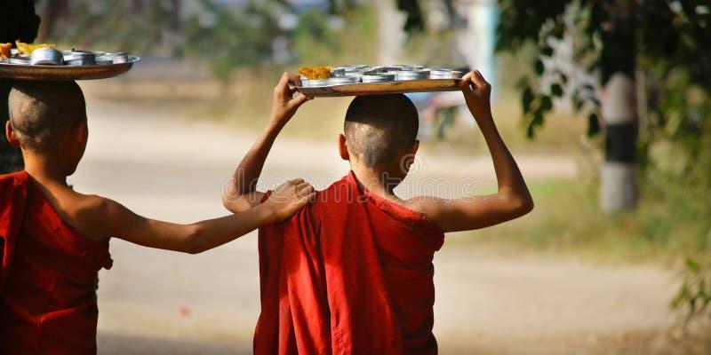 Esmola do recept das monges do principiante imagens de stock