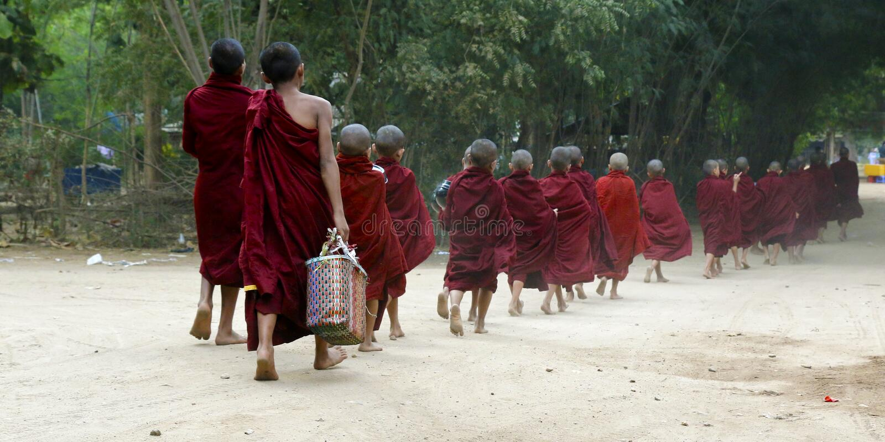 Esmola do recept das monges do principiante fotos de stock royalty free