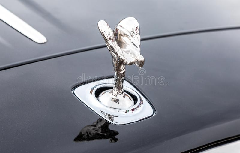 Espírito do emblema da êxtase no amortecedor da Rolls royce fotografia de stock royalty free