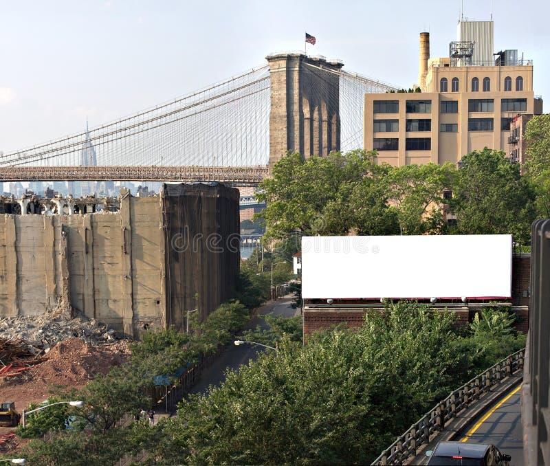 Espaço do anúncio do quadro de avisos da cidade imagens de stock