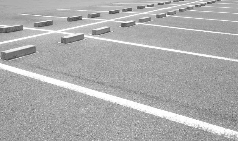 Espaço vazio em um parque de estacionamento imagens de stock royalty free