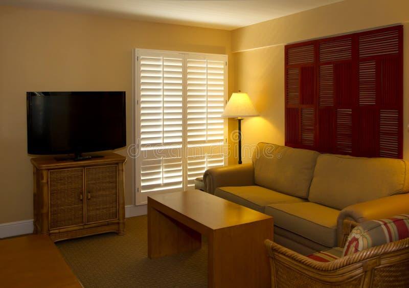 Espaço vivo do quarto de hóspedes do recurso do hotel imagem de stock royalty free