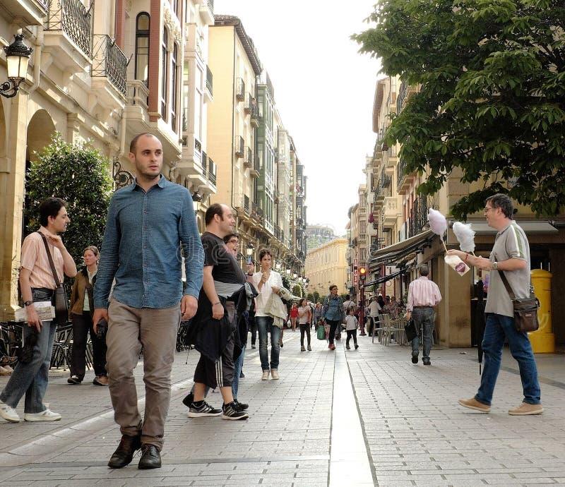 Espaços públicos em Logrono, Espanha durante o verão imagem de stock