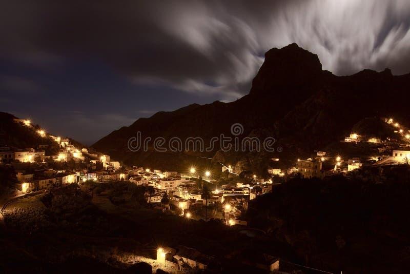 España: Luna Llena sobre la isla de Gomera del La fotos de archivo