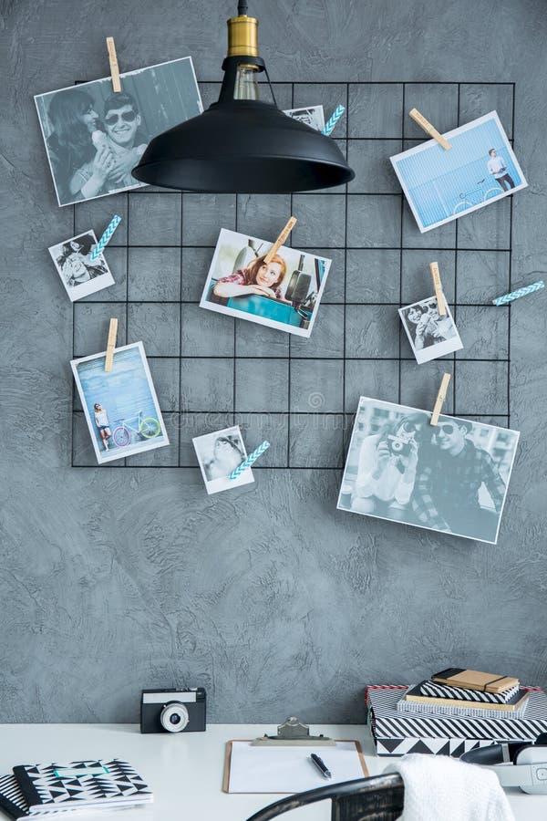 Espacio de trabajo casero creativo fotos de archivo