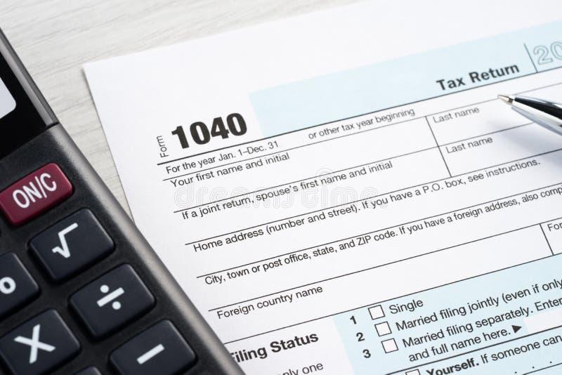 Espacio en blanco de la declaración de impuestos imagenes de archivo