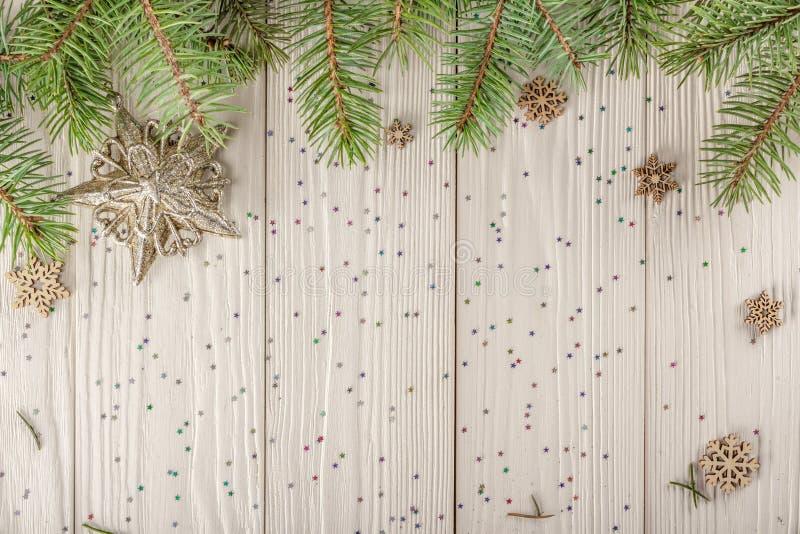 Espacio en blanco de la Navidad para su creatividad Ramas spruce naturales, th foto de archivo libre de regalías