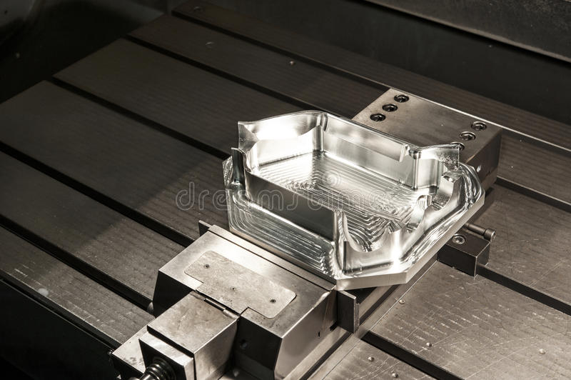 Espacio en blanco industrial del molde de metal. Tecnología del CNC. imágenes de archivo libres de regalías