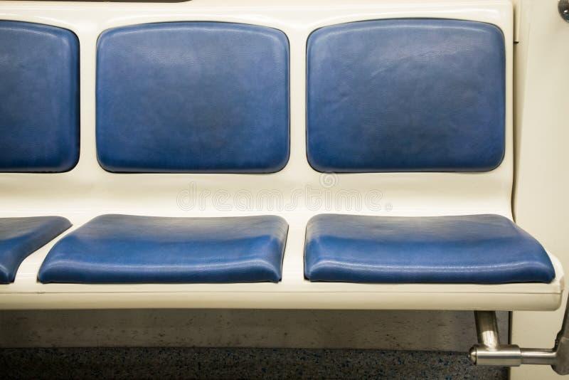 Espacio interior del contemporáneo del carro del ferrocarril de subterráneo con los sitios vacíos fotografía de archivo libre de regalías