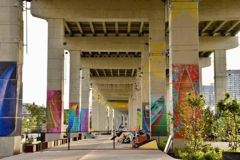 Espacios públicos urbanos infrautilizados de la revitalización fotos de archivo