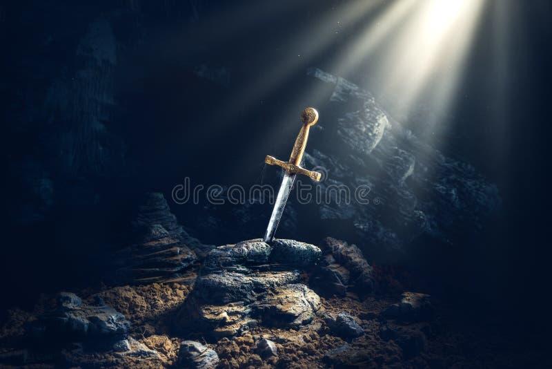 Espada no excalibur de pedra imagem de stock royalty free