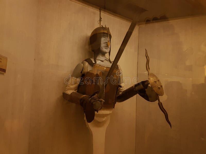Espada y blindaje imagenes de archivo