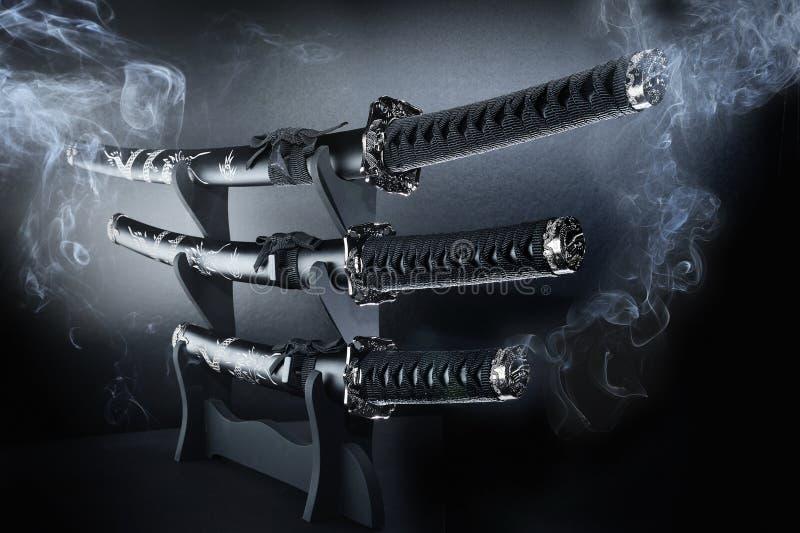 Espadas ajustadas japonesas de Katana fotos de stock