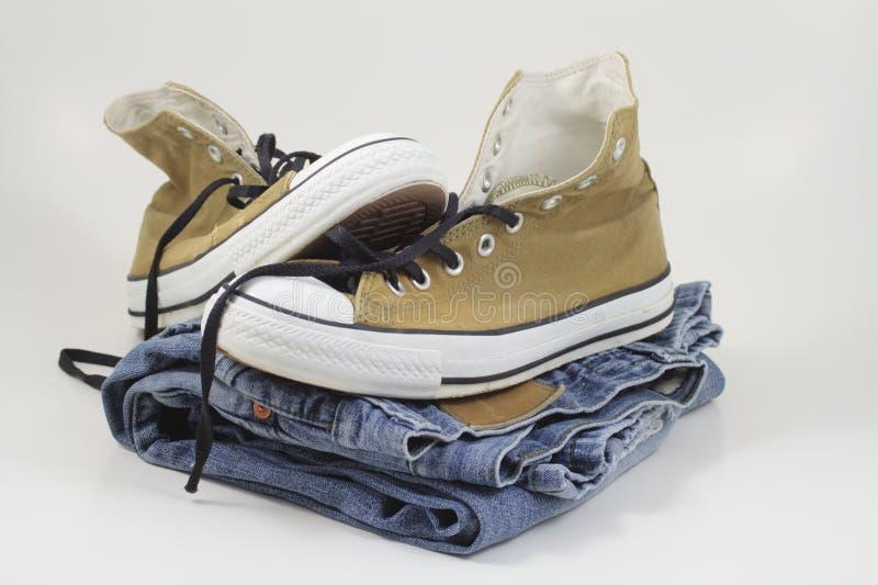 Espadrilles et jeans image libre de droits