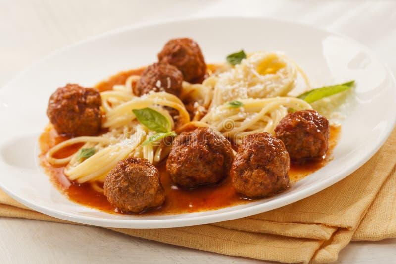 Espaguete com meatballs fotografia de stock royalty free
