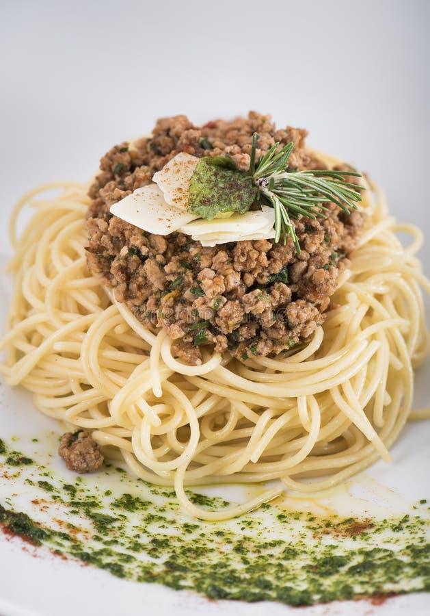 Espaguetes bolonhês com queijo parmesão 6 imagens de stock royalty free