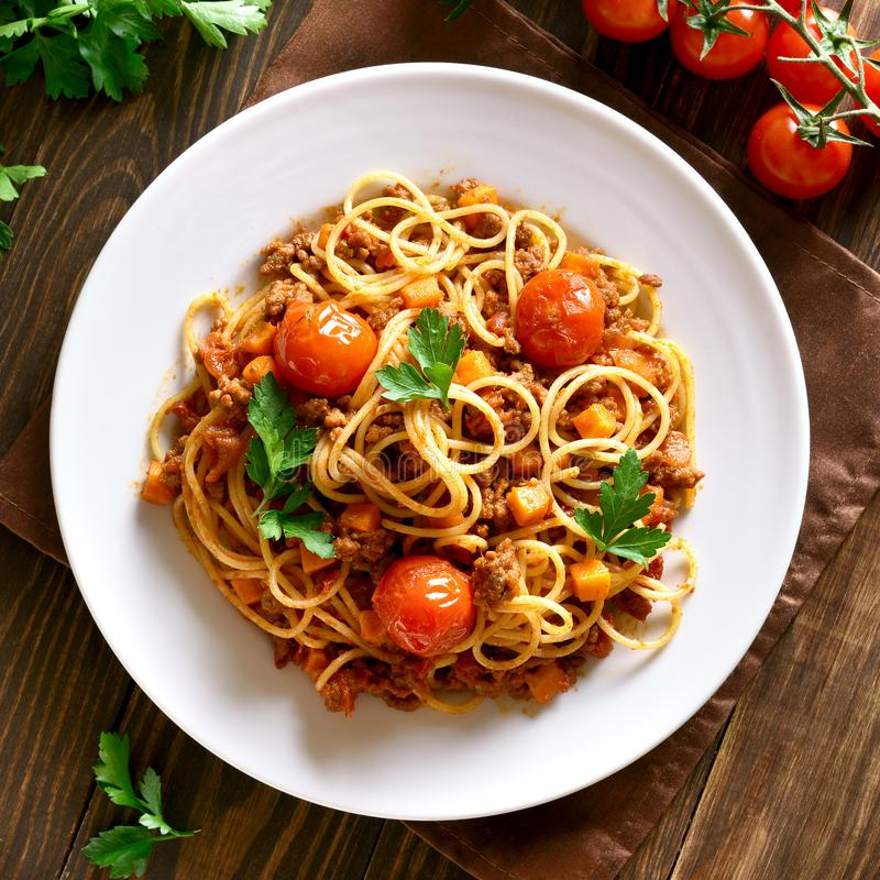 Espaguetes bolonheses, vista superior foto de stock