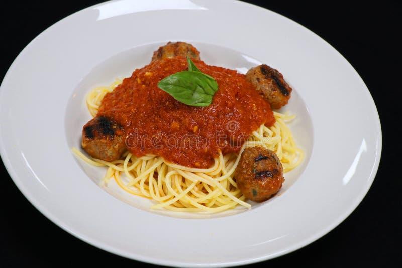 Espaguetes com alm?ndegas e molho de tomate imagem de stock royalty free