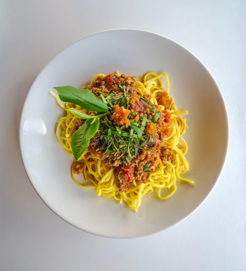 Espaguetes com atum e chá verde foto de stock royalty free