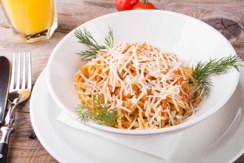 Espaguetes cozinhados Bolonhês imagem de stock royalty free