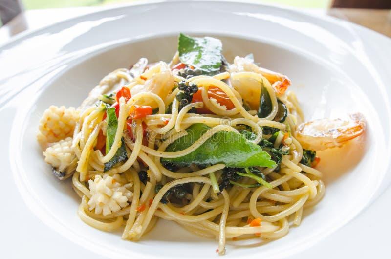 Espaguetes do marisco imagens de stock