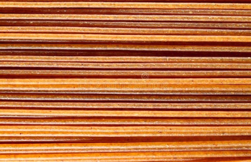 Espaguetes inteiros do trigo fotografia de stock royalty free