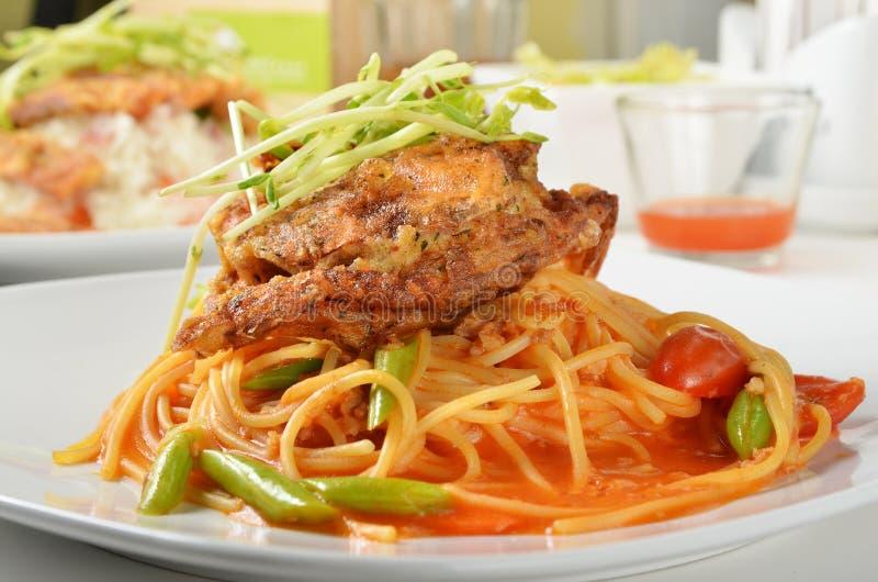 Espaguetes macios do caranguejo do shell foto de stock