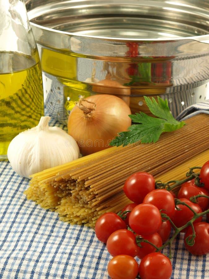 Espaguetes não-preparados, close up imagem de stock royalty free