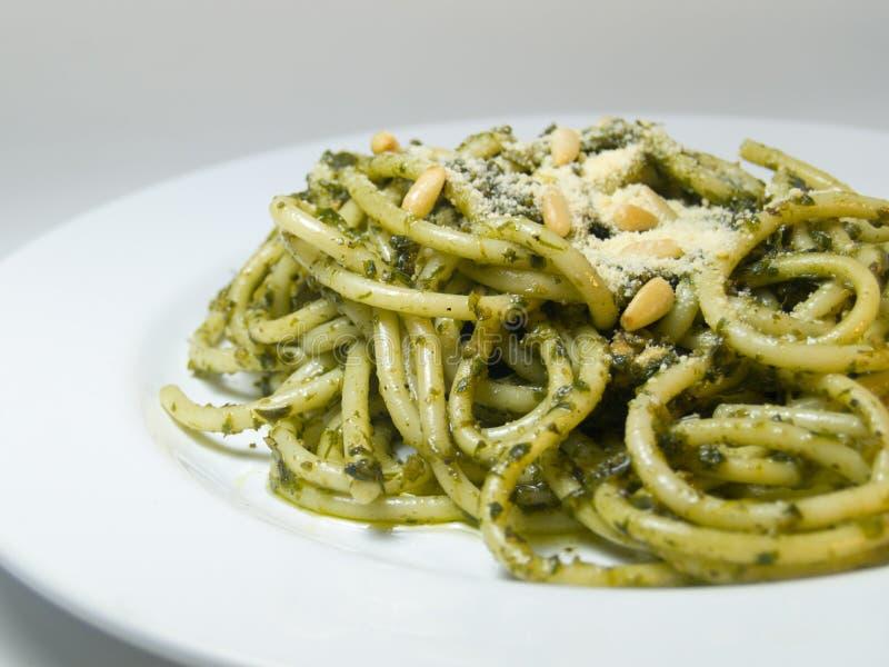 Espagueti Pesto imagenes de archivo