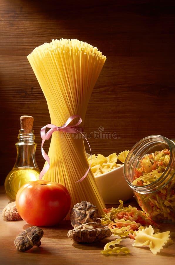 Espagueti sin procesar imagen de archivo