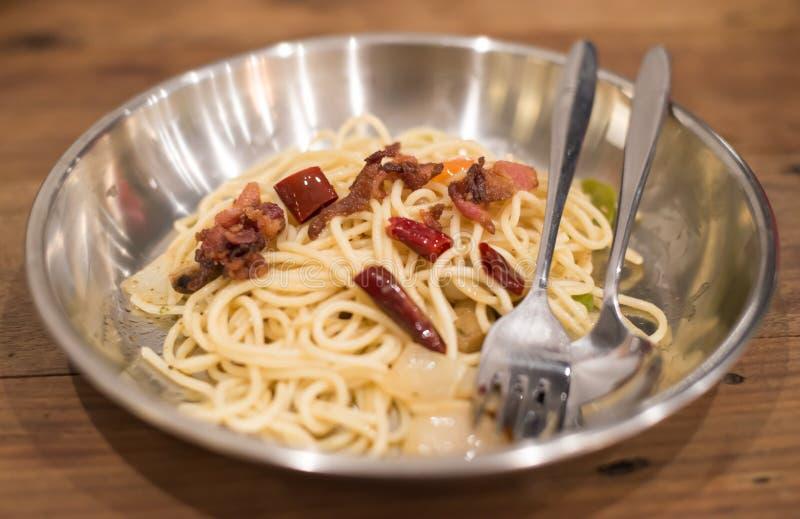 Download Espaguetis Carbonara foto de archivo. Imagen de caliente - 42441042