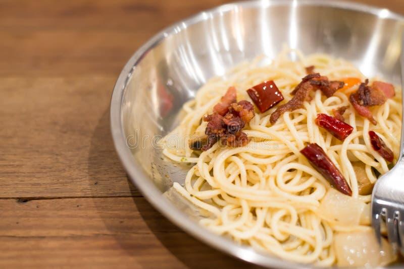 Download Espaguetis Carbonara imagen de archivo. Imagen de parmesano - 42441083