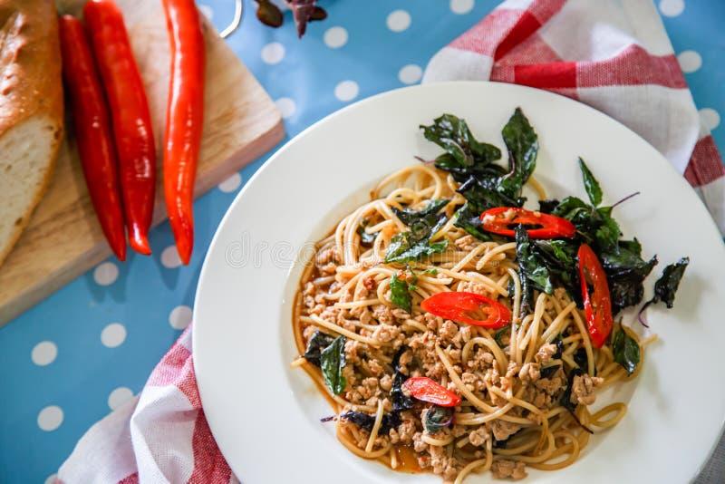 Espaguetis con cerdo picadito foto de archivo