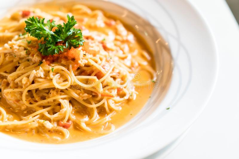 espaguetis con la salsa del cangrejo fotos de archivo libres de regalías