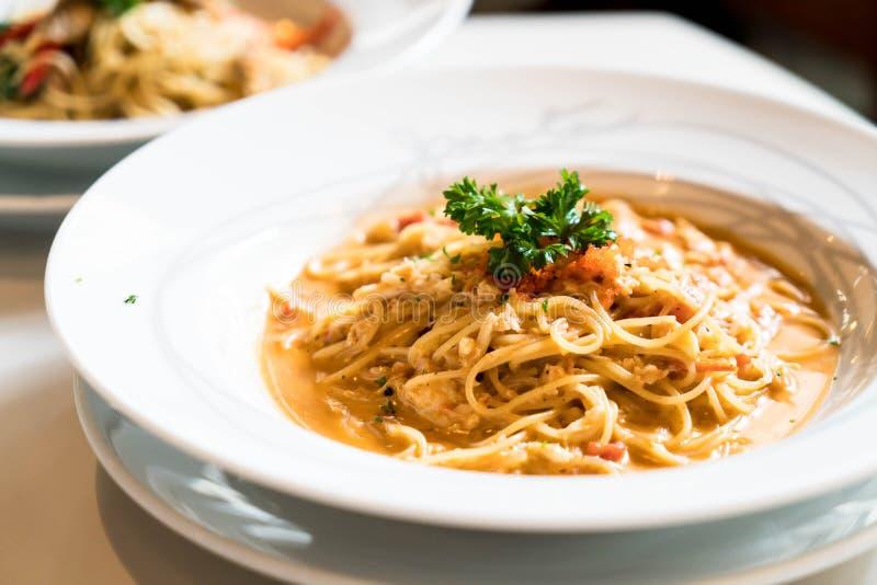 espaguetis con la salsa del cangrejo foto de archivo libre de regalías