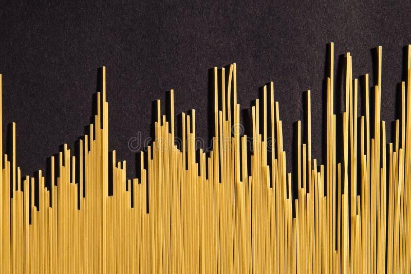Espaguetis de Uncooced foto de archivo
