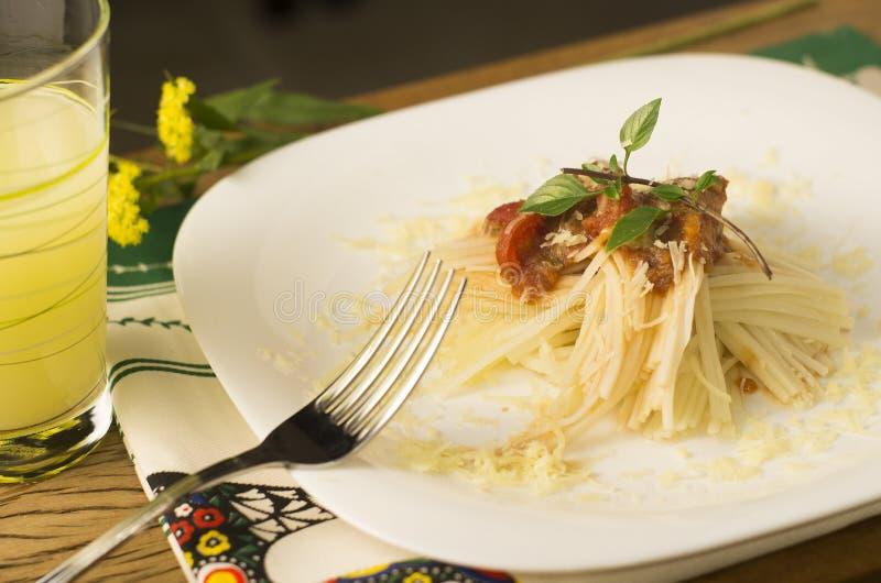 Espaguetis hechos de palmetto fotografía de archivo libre de regalías