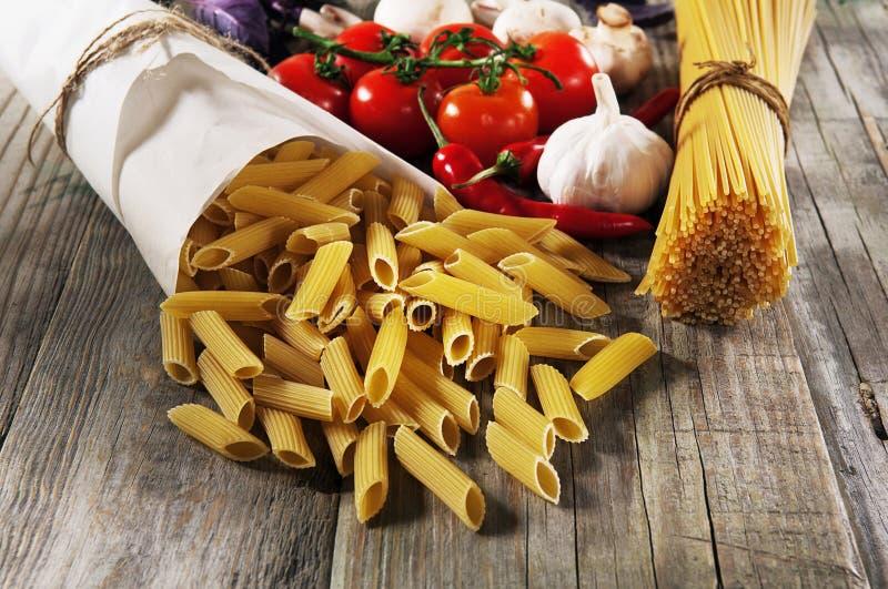 Espaguetis italianos imagenes de archivo
