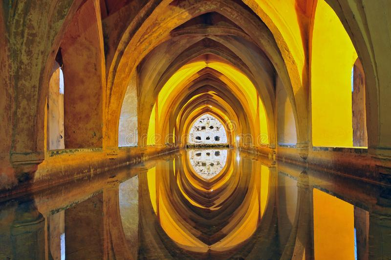 Espanha, a Andaluzia, Sevilha, o Alcazar, banhos de Dona Maria de Padilla foto de stock