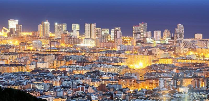 Espanha, arquitetura da cidade de Barcelona na noite fotografia de stock
