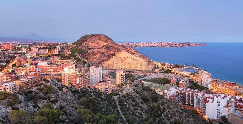 Espanha, cidade de Alicante no por do sol fotos de stock