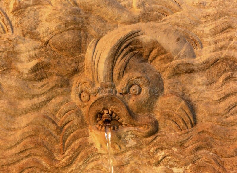 Espanha de Alhambra Fish Monster Fountain Granada a Andaluzia fotos de stock