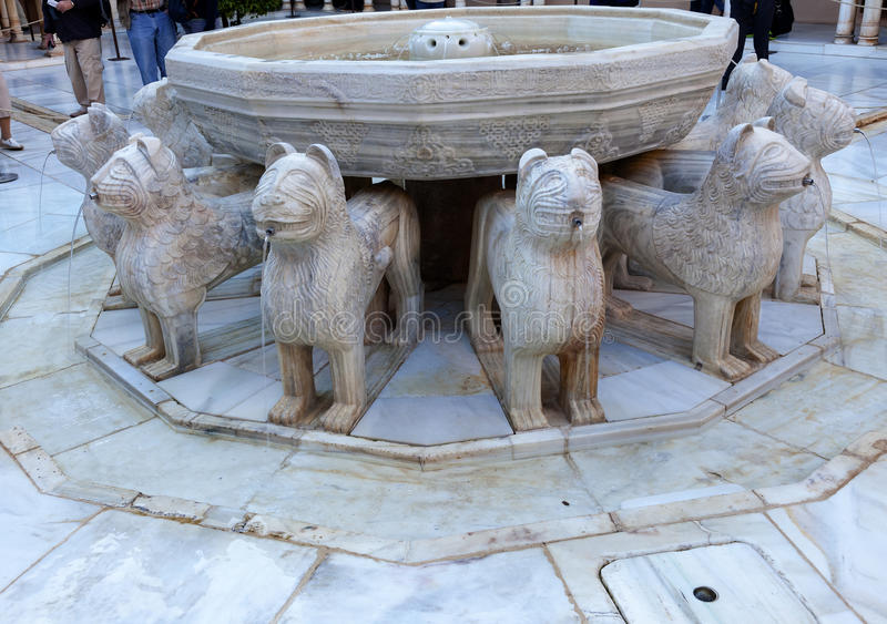 Espanha de Granada da estátua de Alhambra Moorish Courtyard Lions Fountain fotos de stock