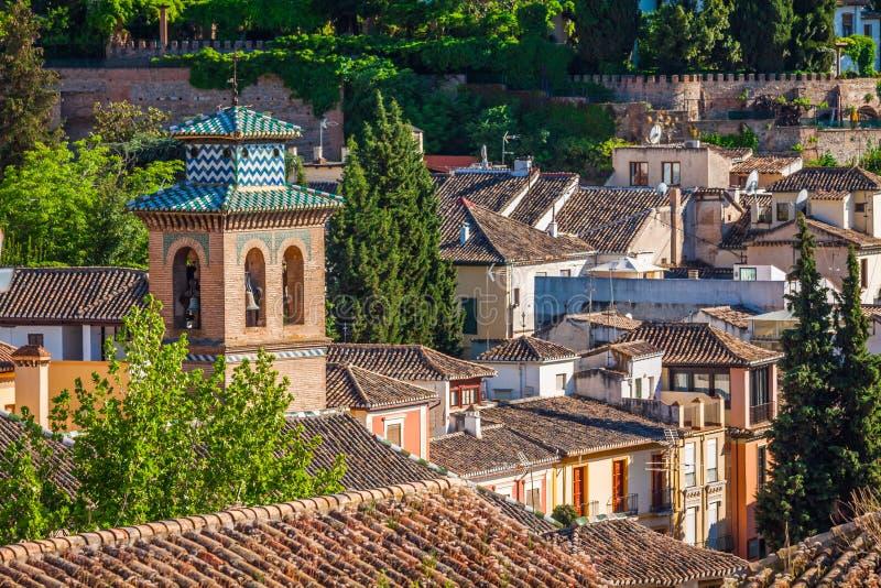 A Espanha, região da Andaluzia, panorama da cidade de Granada de Alhambra vie fotografia de stock
