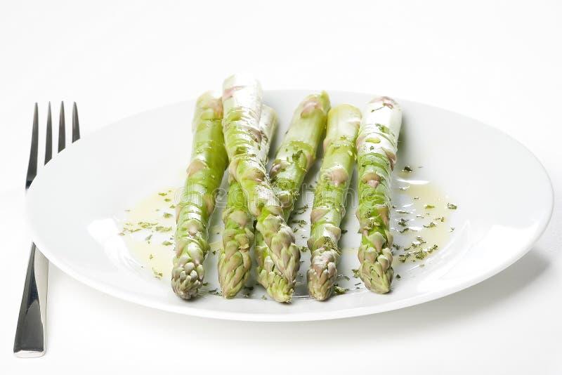Espargos verdes naturais frescos imagem de stock