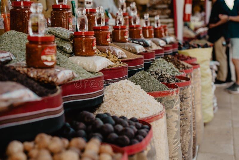 Especiarias em um mercado asiático fotos de stock