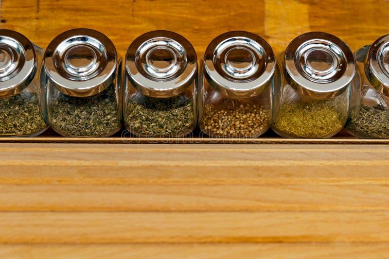 Especiarias em uns frascos foto de stock royalty free